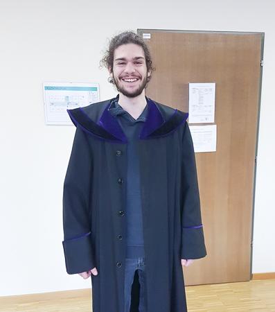 Jakob Fink im Talar eines Richters